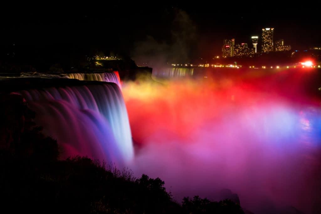 Niagara-falls-falls-Illumination-night